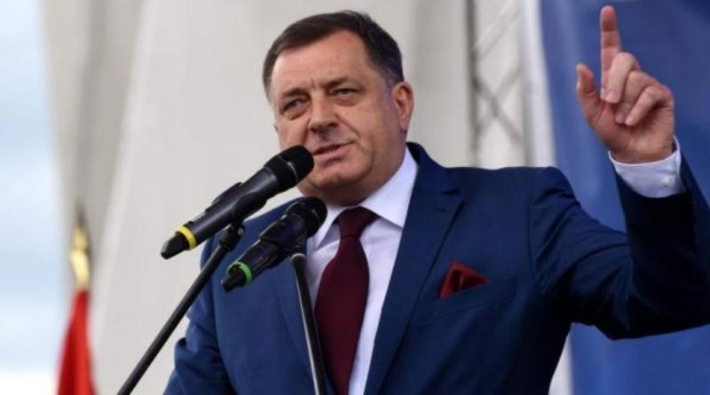 Dodik ponovno uzeo mikrofon i zapjevao pod šatorom - Srednja Bosna