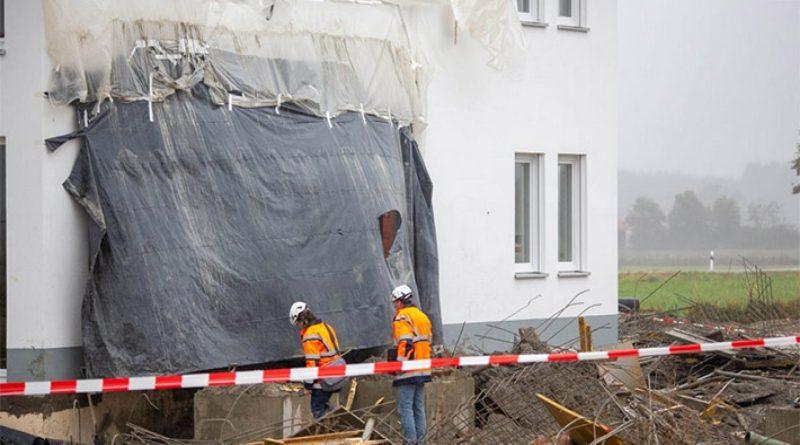 Tragedija u Njemačkoj: Srušila se skela, poginula četiri radnika (FOTO)