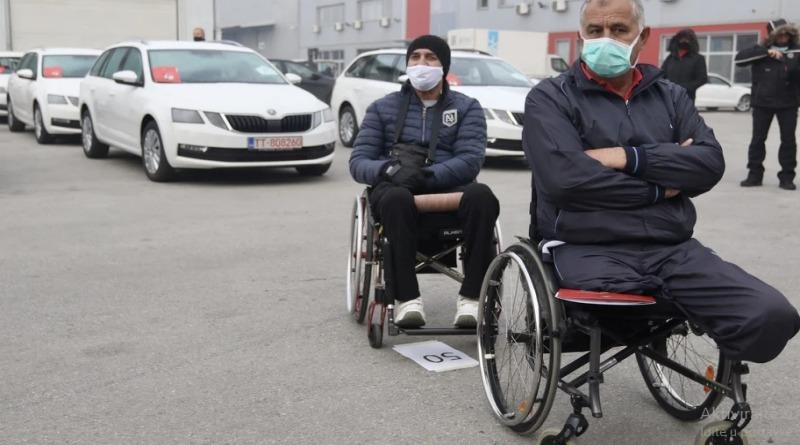 Ratnim vojnim invalidima u Federaciji BiH dodijeljeni novi automobili -  Srednja Bosna