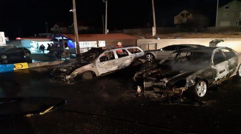 """Zapaljeno nekoliko vozila u Auto kući """"Cirko"""" u Starojoj Biloj"""