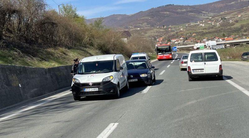 Nesreća na putu M-17 kod Zenice, policija na licu mjesta